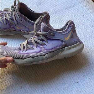 Violet/purple colored nike flex!